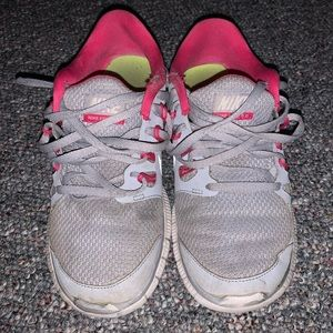 👟Grey Nike Free Run Sneakers | Size 7 Women's